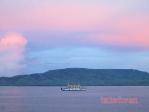 Sunset di selat Bali (dokumentasi pribadi, taken by Canon PowerShot A2300)
