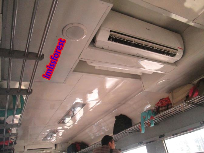 AC di dalam kereta (dokumentasi pribadi, taken by Canon PowerShot A2300)