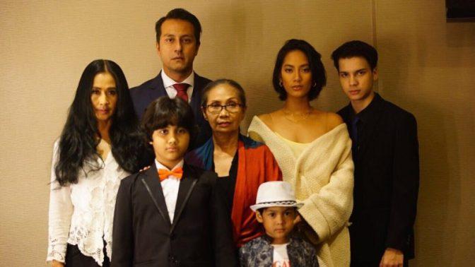 keluarga-para-pengabdi-setan-BookMyShow-Indonesia-e1506075844901